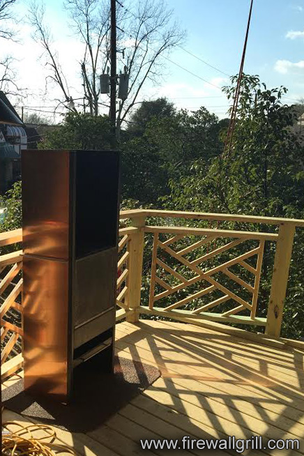 Treehousemasters Batonrouge4 Firewall Charcoal And Wood